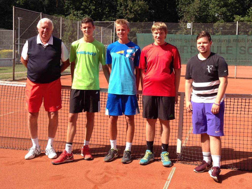 1. Junioren U18: Peter Szöke (Trainer), Robin Börger, Nils Watenphul, Yannick Nolte, Erik Schumann